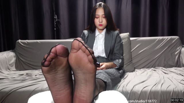 ZHZY-0060-Beautiful Girl asia NO425 Stinky foot and sock